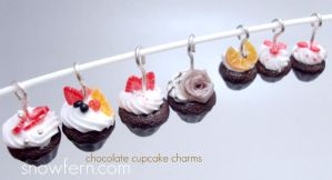 chocolate mini cupcake charms by Snowfern
