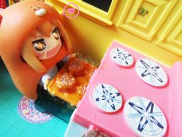 Umaru making cake. by UndercoverKadaj