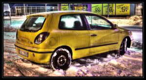 HDR DIRTY FIAT BRAVO AT SNOW by HAPZ86