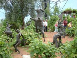 Eden Project Trip - Statues by Destinys-spirits