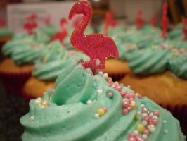Flamingo Cupcakes by apparentlyjessy