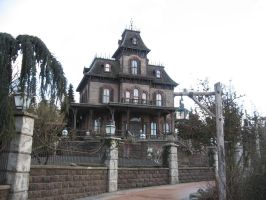 Disneyland Paris - Phantom Manor -52- by Maliciarosnoir-stock