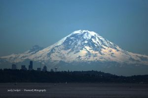Volcano over Seattle by andras120