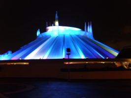 Space Mountain in the dark by ShadowsDemons
