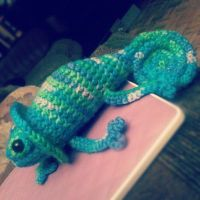 Crochet Chameleon of Awesome by shiin