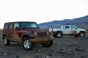 Jeep Wrangler Vs Hummer H3T by TheCarloos