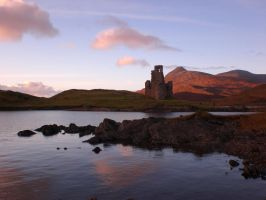 Ardvreck Castle by honneamise