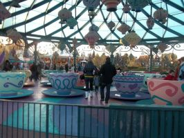 teacup ride disneyland paris by sakuratard17