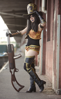 Caitlyn Cosplay: At your service, summoner! by MomoeHamaguchi