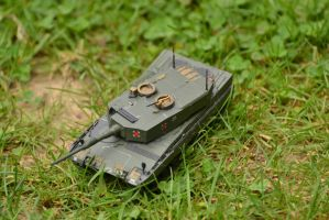 Leopard 2A4 (up) by ObieFreak