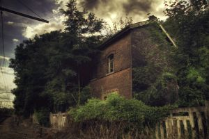 Ghost house by kromo