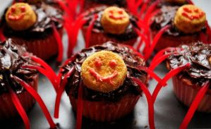 Blood Filled Spider Cup Cakes by SublimeBudd
