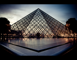 Louvre by night 5 by LeMex