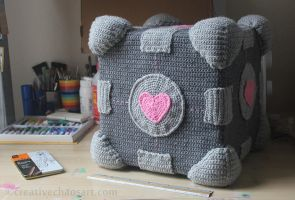 Crochet Companion Cube by bicyclegasoline