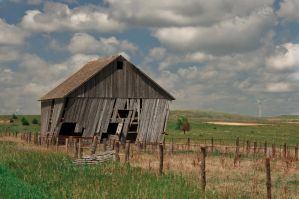 Weathered Barn by Pennes-from-Heaven