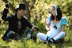 Alice and the Mad Hatter by miss-zombi