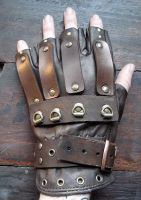 Steampunk glove by missmonster