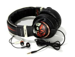 Gear Head Skullcandy 2011 with buds by Forty-Nine