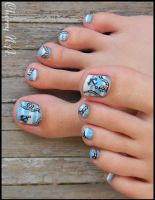 Nail art marin sur les pieds by cherrynailart
