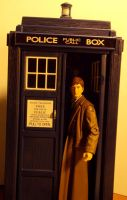 10th Doctor and Tardis - 3.75 by DoctorWhoNC