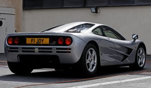 Mclaren F1 by guillaumes2