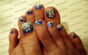 Blue Gradation Flower Nail Art by me0w-kittyy