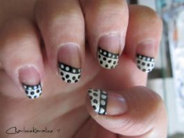 Week Seven: Contrasting dots  - Right hand by CharleneKaraline