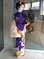 Maiko in Lyon by chipie2485