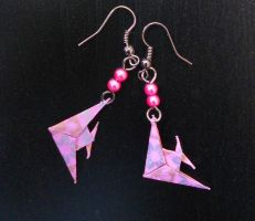 Super tiny angelfish origami earrings by sakuralu83