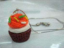Cupcake necklace by Candy27