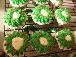 Christmas Wreath Cupcakes by classicalmom5