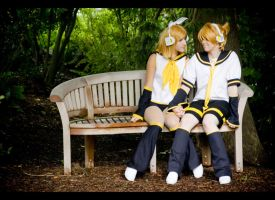 VOCALOID: Synched by LilithFire