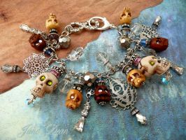 Crowned skull bracelet by janedean