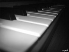 piano by piragelos