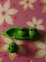 Pea pods by WISH4000