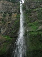 Multnomah Falls Upper by Cyberpriest