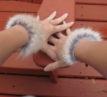 Real Wolf Fur Bracelets by MorRokko