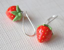 Strawberry Kidney Earrings by Madizzo
