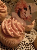 Gaga Birthday Cupcakes by Saiyuki08
