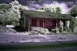 Old House infrared 002 by otas32