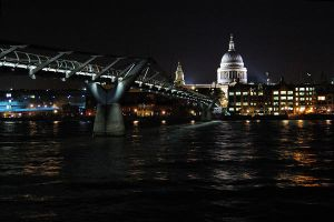 St Pauls cathedral by aimforthefloor