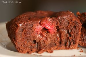 Raspberry lava cake 3 by patchow