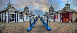 A Gift from the Pier by wreck-photography