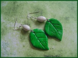 Birch ritual earrings by Marjolijn-Ashara