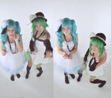 Gumi and Miku havin' fun  - Vocaloid by AlessiaAzalina