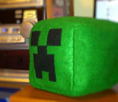 Creeper Plushie by PandaS2Cookie