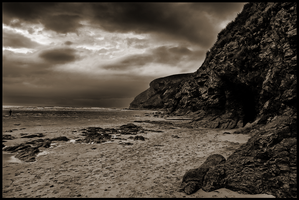 A View From Mawgan Porth by Enderion