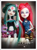 Monster High Repaint Gaia and Noa by niamiyu