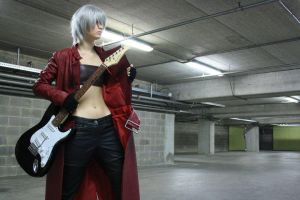 Dante cosplay: Start by Seranaide