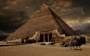 GIZA PYRAMID by susnigdh